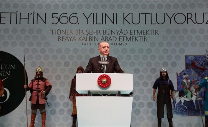 İstanbul'u kaybetmenin acısını 566 senedir içlerinden atamayanlar var