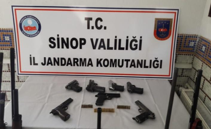 Sinop'ta ruhsatsız silah operasyonu: 6 gözaltı