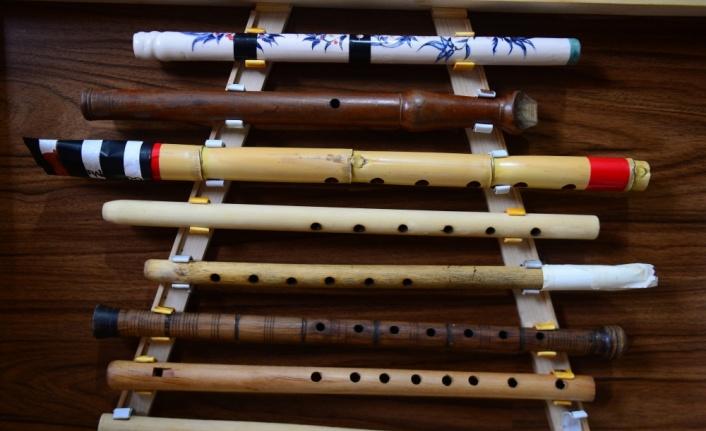Unutulmaya yüz tutan enstrümanları geleceğe taşıyor