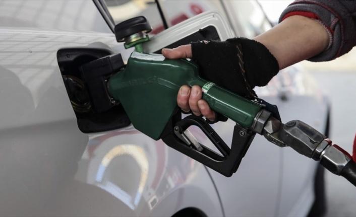 Motorin ve benzin fiyatlarında indirim yapıldı