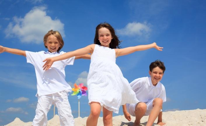 Çocuklarınızı yaz sıcaklarından korumanın 10 yolu