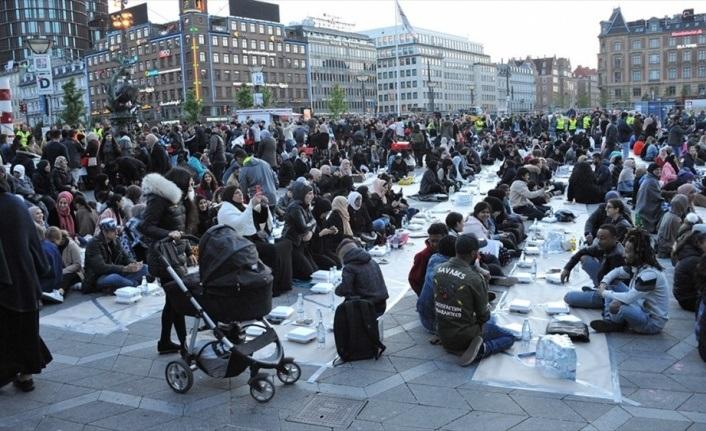 Danimarka'da iftar yapan Müslümanlara saldırı, Kur'an-ı Kerim'i yaktılar