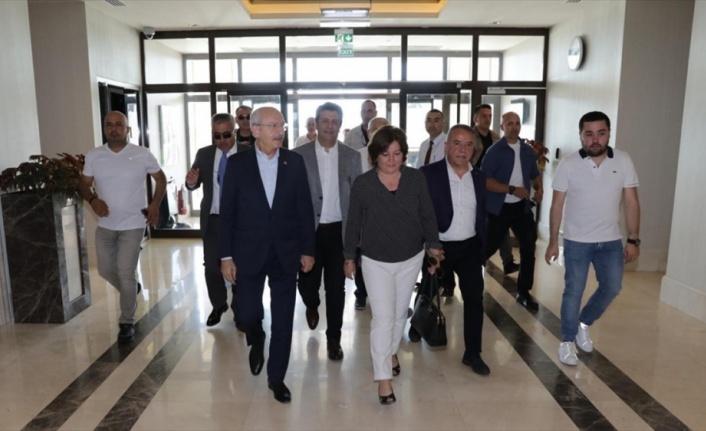 Kemal Kılıçdaroğlu, Deniz Baykal'ı ziyaret etti