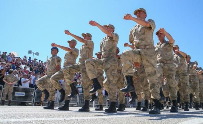 Yeni askerlik sistemi teklifi yasalaştı, arık askerlik 6 ay