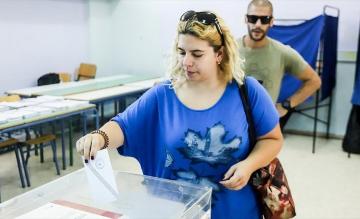 Yunanistan'da sandık çıkış anketlerine göre Yeni Demokrasi Partisi tek başına iktidar