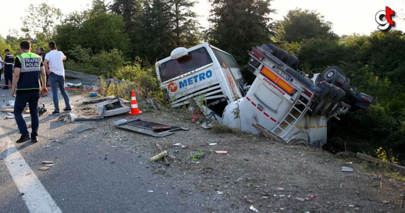 Zincirleme trafik kazasında 1 kişi öldü 5 kişi yaralandı