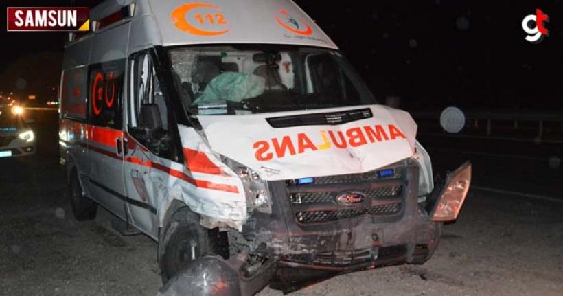Samsun'da ambulans kaza yaptı 3 kişi yaralandı