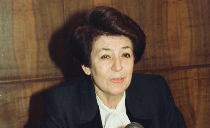 Türkiye'nin ilk kadın bakanı ve rektörü: Türkan Akyol kimdir?