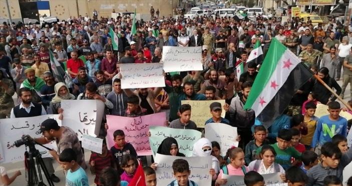 Cerablus'ta yaşayan Münbiçliler Esed rejimini protesto etti