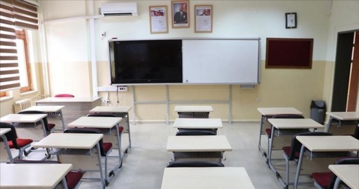 Okullar 3 gün tatil edildi