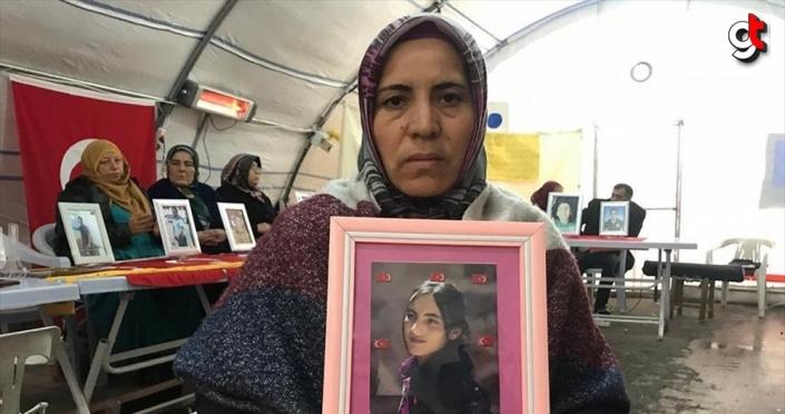 Diyarbakır annelerinden Demir: Evlatlarımızı o zalimlerin eline bırakmayacağız