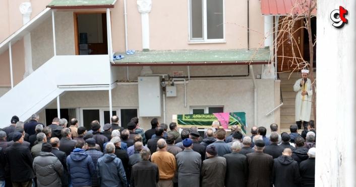 Eşi tarafından darbedilip öldürülen kadının cenazesi Tokat'ta defnedildi