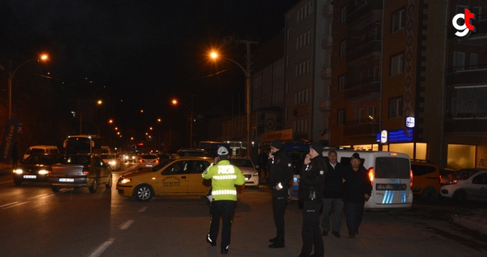 Gümüşhane'de otomobilin çarptığı pazarlamacı ağır yaralandı
