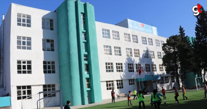 Gürcistan'daki Türkiye Maarif Okulu yenilendi