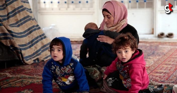 İdlib'deki cami bombardımandan kaçanların 'sığınağı' oldu