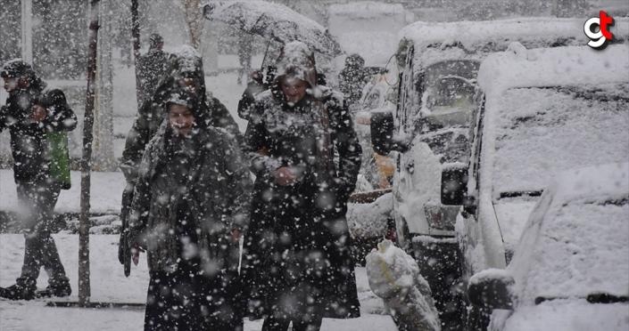 Kuvvetli sağanak ve yoğun kar yağışı geliyor