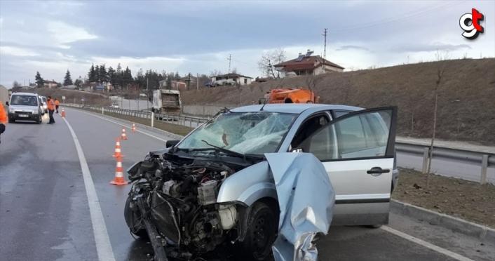 Samsun'da otomobil ile traktör çarpıştı: 4 yaralı