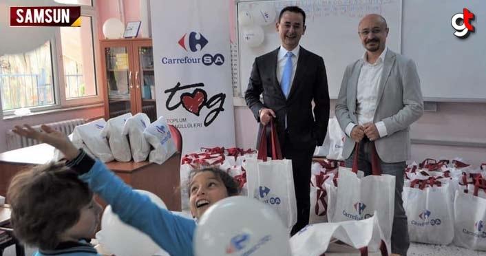 Toplum Gönüllüleri Vakfı'ndan çocuklara kırtasiye malzemesi yardımı