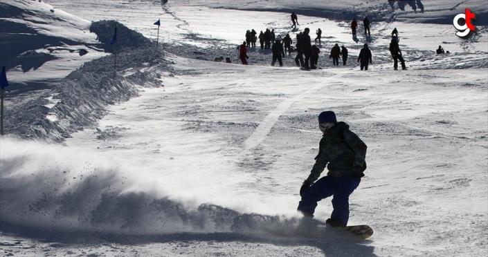 Denizli Pamukkale'ye gelenleri kayak merkezinde de ağırlayacak
