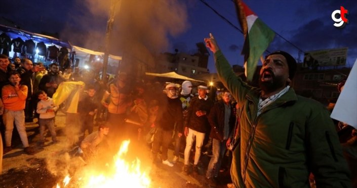 Gazze'de ABD'nin sözde barış planına yönelik protestolar sürüyor: 12 yaralı