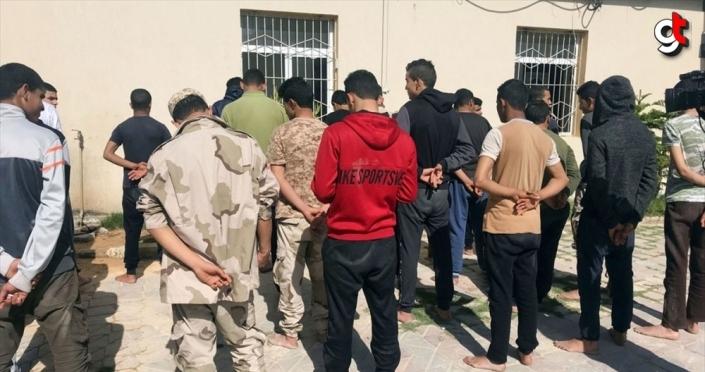 Güvenlik görevlisi olma hayaliyle BAE'ye giden Sudanlılar, kendilerini Hafter'in kamplarında buldu