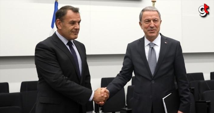 Bakan Akar, Yunanistan Savunma Bakanı Panagiotopoulos ile görüştü
