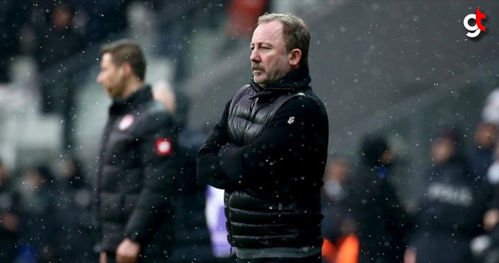 Beşiktaş Teknik Direktörü Sergen Yalçın: Önce kafalarını değiştirmek lazım, işin oyun tarafı kolay