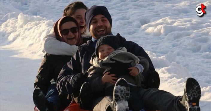 Bolu yarıyıl tatilinde doğa ve kayak tutkunlarının gözde mekanı oldu