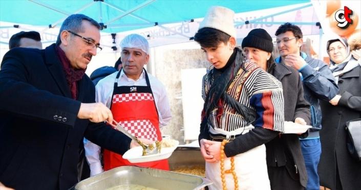 Canan Karatay'ın da tavsiye ettiği 'tirşik çorbası' 5 bin kişiye dağıtıldı