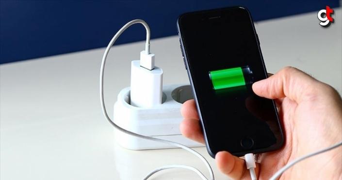Cep telefonlarının bataryaları neden yüksek güçlü amperli üretilmiyor, kapasiteleri neden düşük?