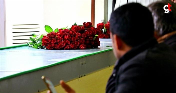 Çukurovalı çiçekçiler 14 Şubat'ta yarım milyon çiçek satmayı hedefliyor