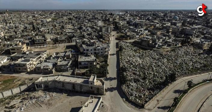 Esed rejimi ve destekçileri Serakib ilçesinde 170 bin sivili evsiz bıraktı