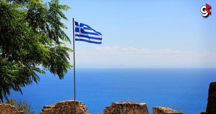 Yunanistan'ın düzensiz göçe karşı yüzen bariyer planı tepkilere yol açtı