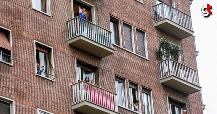 Avrupalılar Kovid-19 nedeniyle ilk kez zorunlu evlerine kapanıyor