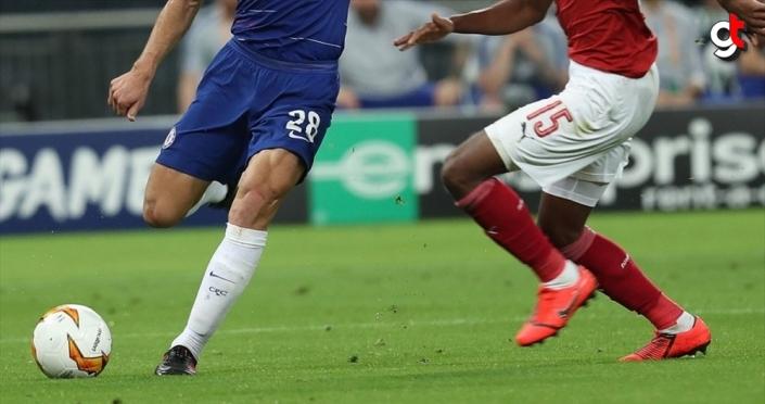 İngiltere'de futbol maçları mayısa kadar oynanmayacak