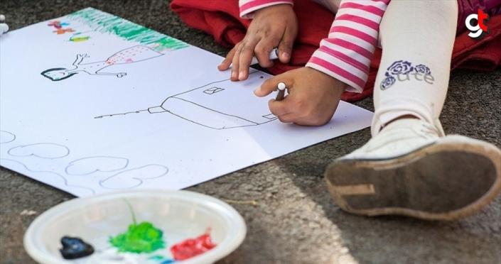 İstanbul Modern, çocukları gökkuşağıyla sanata sarılmaya çağırıyor