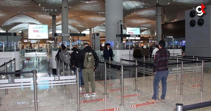 Kovid-19 salgını nedeniyle uçuşu iptal edilen yolculara yeni haklar tanındı