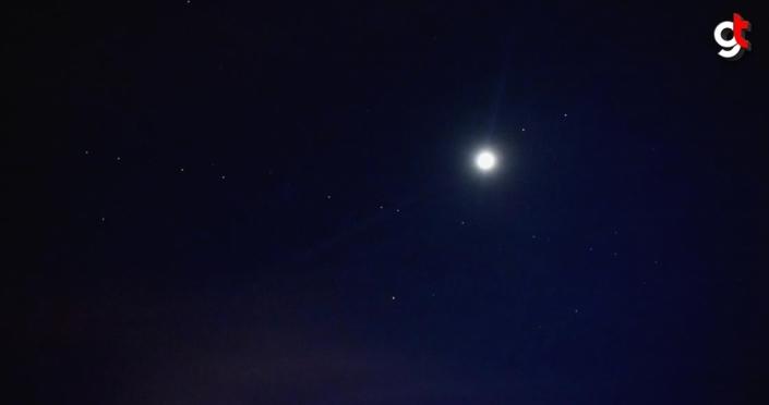 Starlink uydularının geçişi Mersin semalarında göründü
