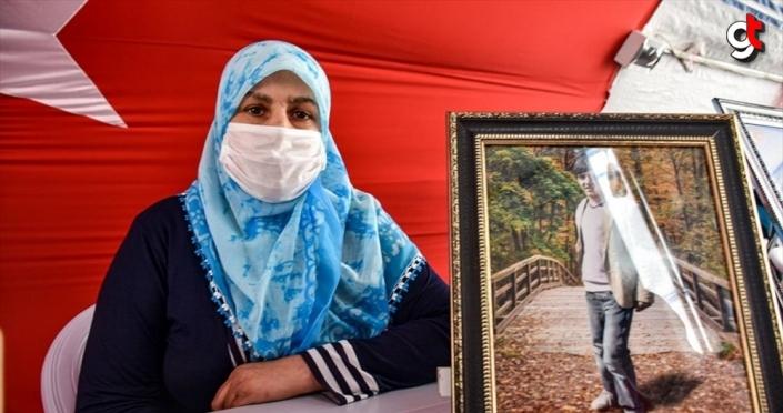 Diyarbakır annelerinden Zümrüt Salim: Oğlum gelmezse bayramımız yok