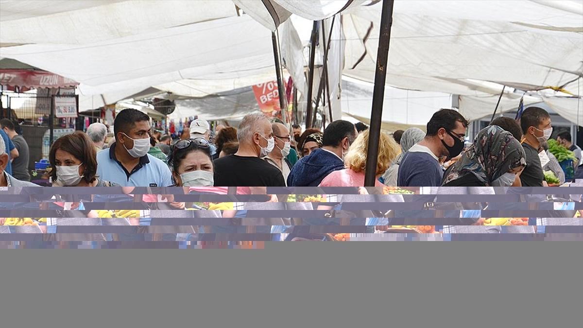 İstanbul'da 4 günlük sokağa çıkma kısıtlaması öncesi alışveriş yoğunluğu