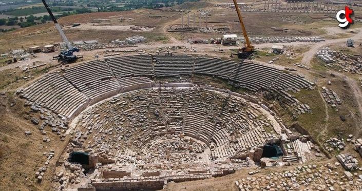 Laodikya'nın 2 bin 200 yıllık tiyatrosu ziyaretçilerini ağırlamaya hazırlanıyor