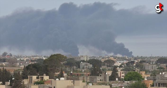 Libya ordusundan Hafter milislerinin işgalindeki Vatiyye Askeri Hava Üssü'ne 5 hava harekatı