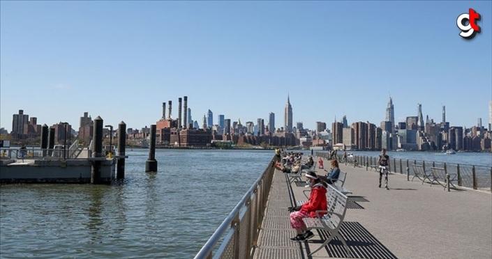 New York'ta 'evde kal' talimatı 13 Haziran'a kadar uzatıldı