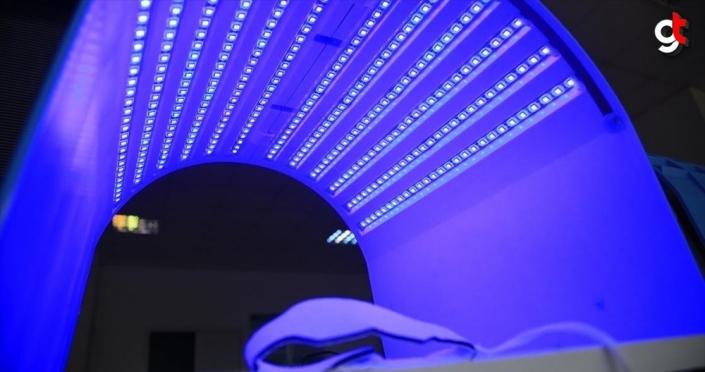 Taşınabilir fototerapi cihazıyla evde 'mavi ışık' tedavisi dönemi