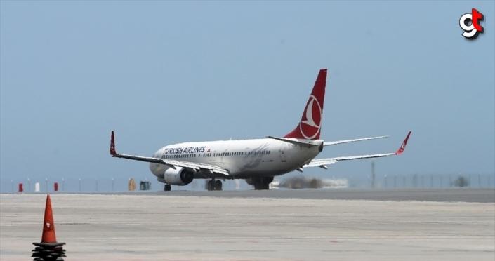 THY'nin 9 milyon sembolik yolculu 19 Mayıs özel uçuşu Samsun'da tamamlandı