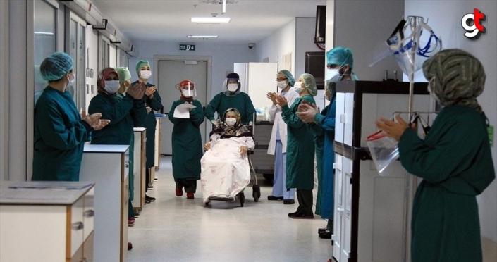 Türkiye'de Kovid-19'dan iyileşen hasta sayısı 114 bin 990'a ulaştı