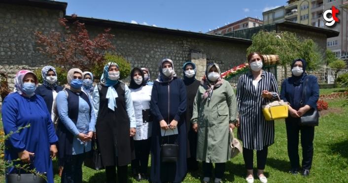 AK Parti Kadın Kollarından