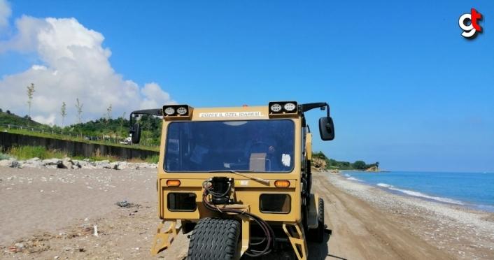 Akçakoca'da sahil temizliği devam ediyor