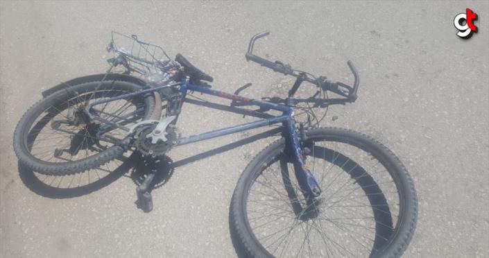 Amasya'da otomobilin çarptığı bisiklet sürücüsü öldü