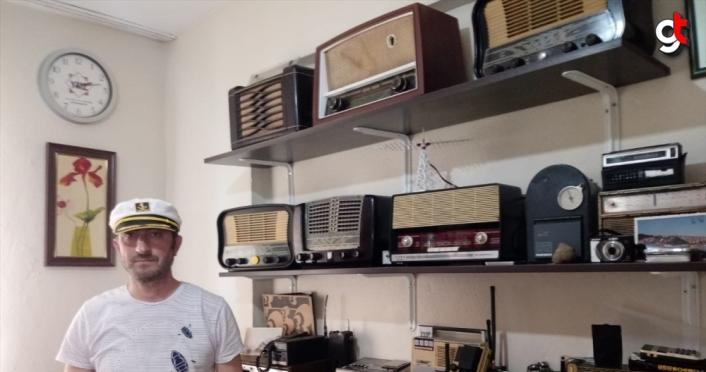 Antika radyo ve pikaplara atölyesinde yeniden